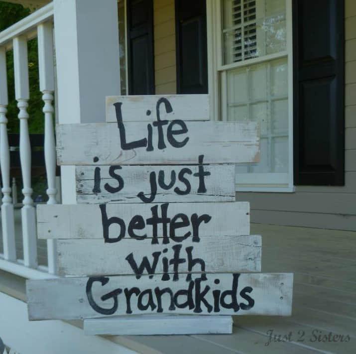 pallet grandkids sign