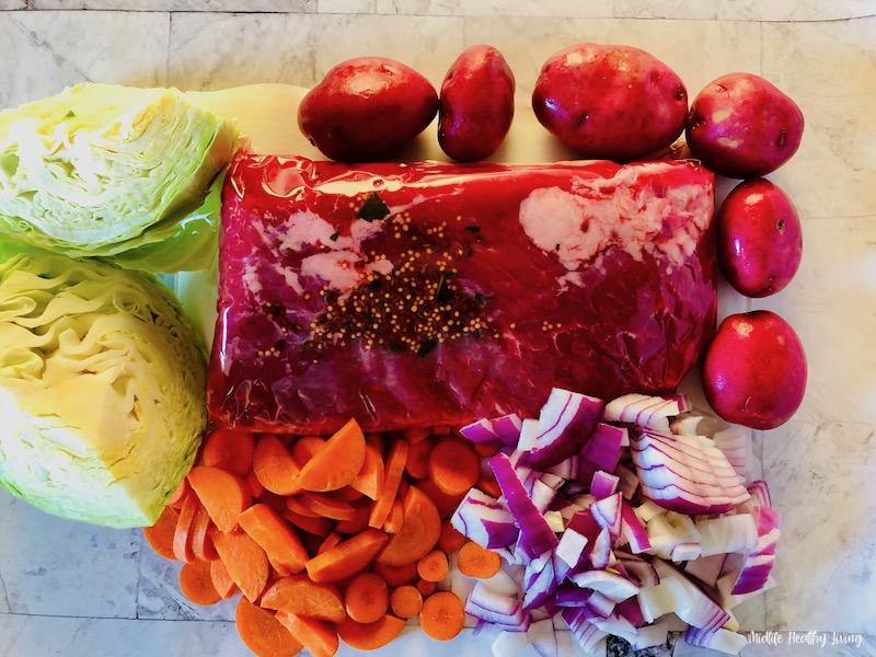 ingredients needed to make crockpot corned beef before we start cooking.