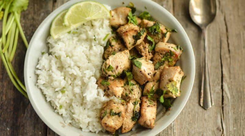 This cilantro lime chicken is perfect for the whole family, the best news is that it's weight watchers friendly so you don't have to stray from your diet!
