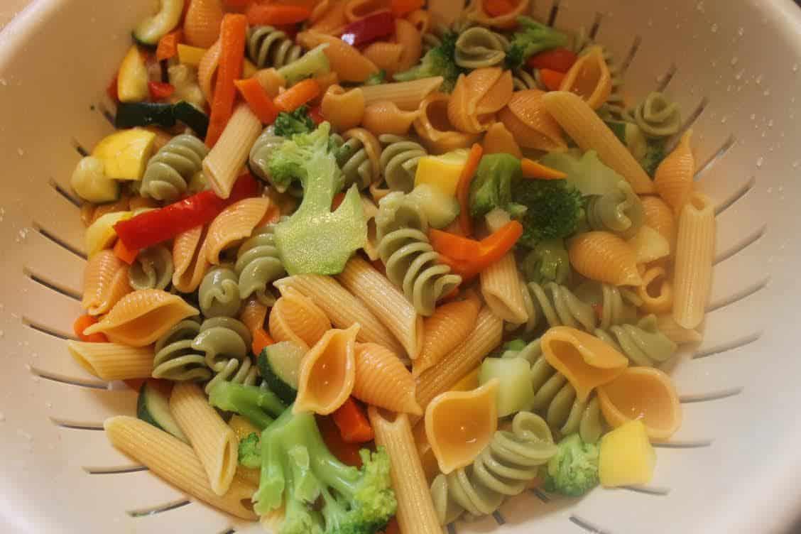 Pasta Primavera Salad in a Jar
