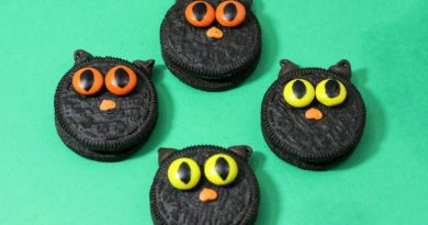 Halloween Cookies: Black Cats