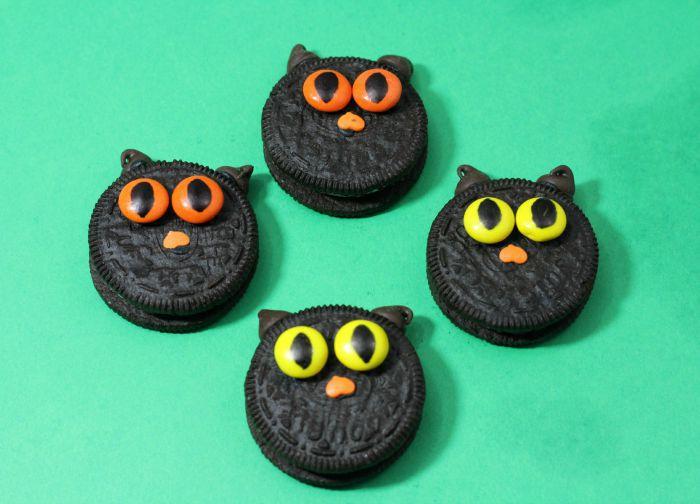 Halloween Cookies: Black Cats