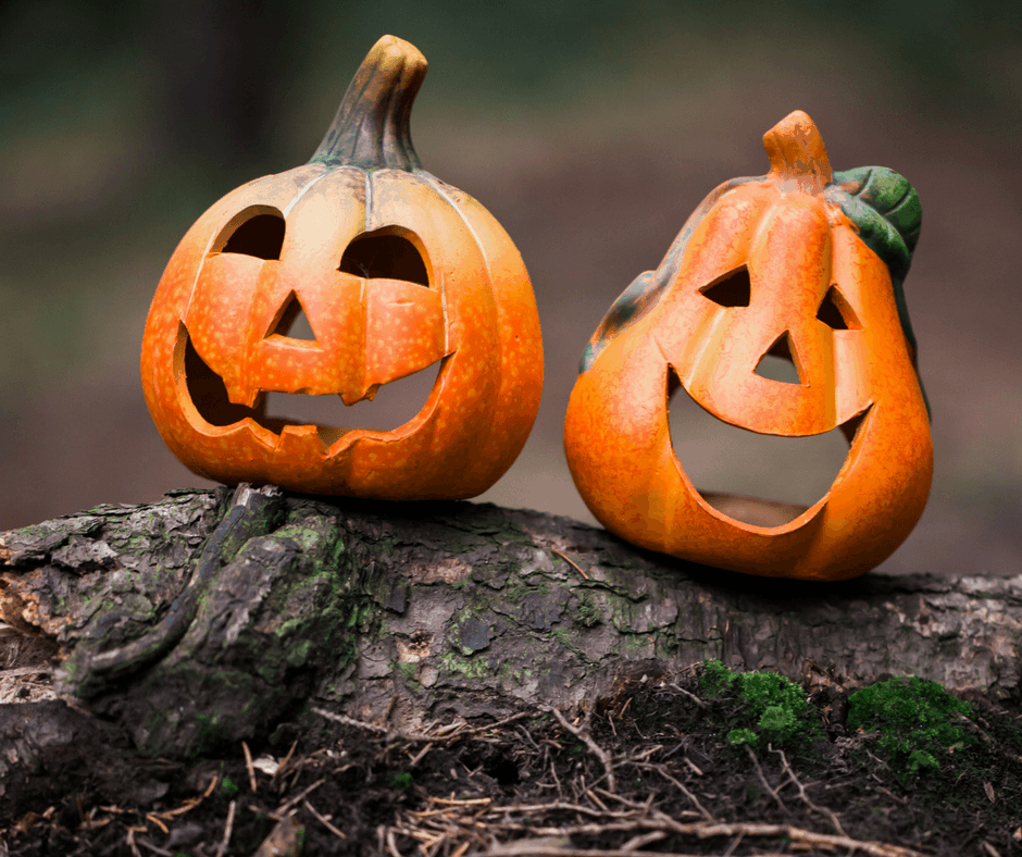 Dressing up is fun for everyone of all ages. Couples Halloween costumes are a fun way to plan for this fun holiday with your significant other!
