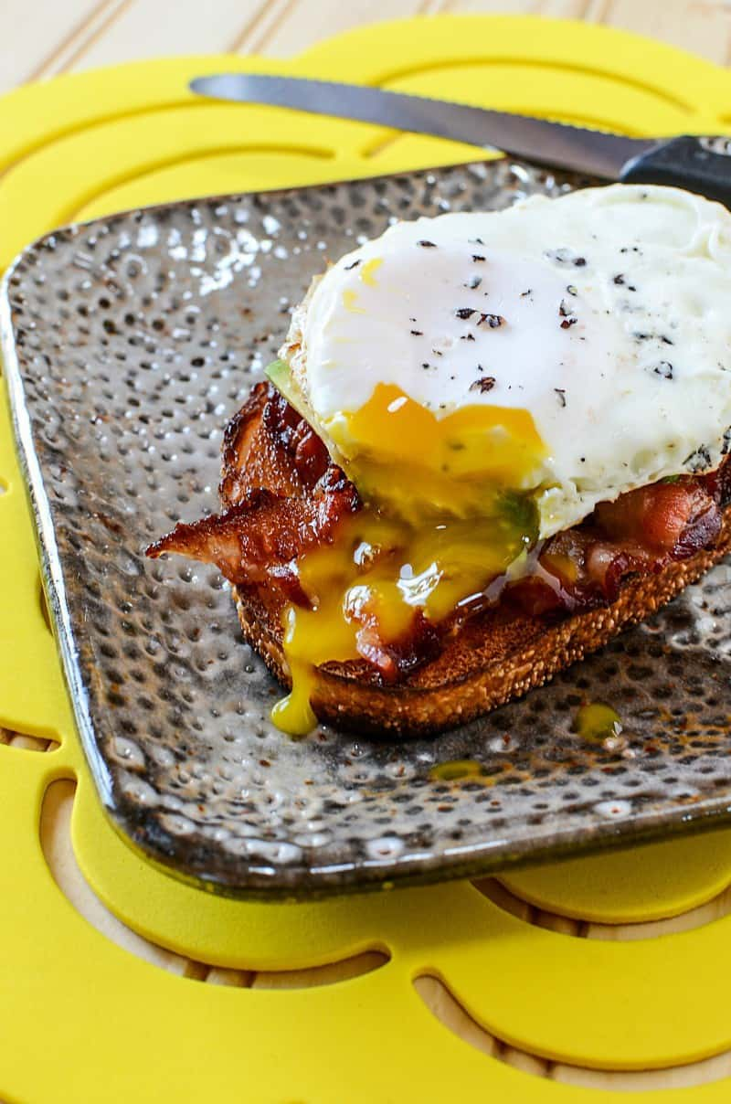bacon-egg-and-avocado-toast
