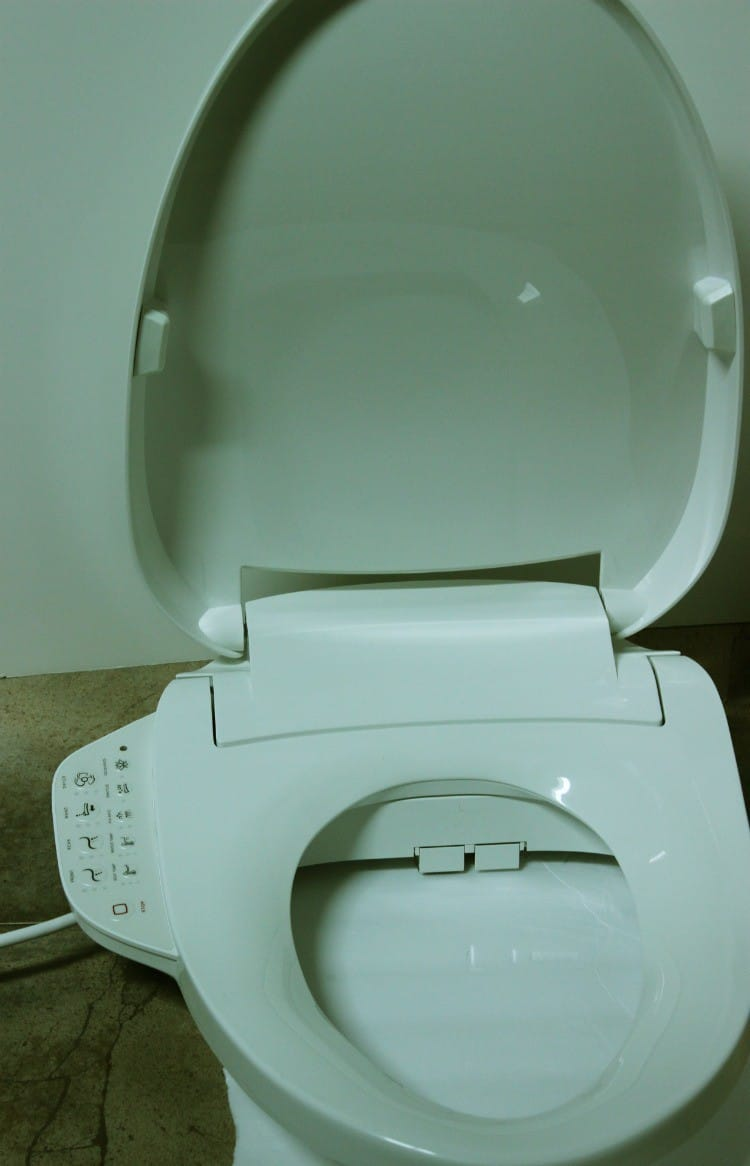 Every Bathroom Needs a Bidet Toilet Seat
