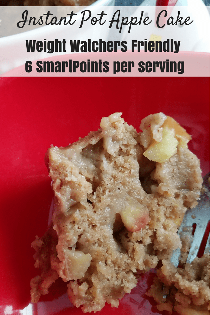 This Instant Pot Weight Watchers Apple Cake is going to become a family favorite this fall! Weight Watchers Apple Cake | Weight Watchers Cake | Apple Cake WW | SmartPoints Apple Cake | Apple Cake Freestyle SmartPoints