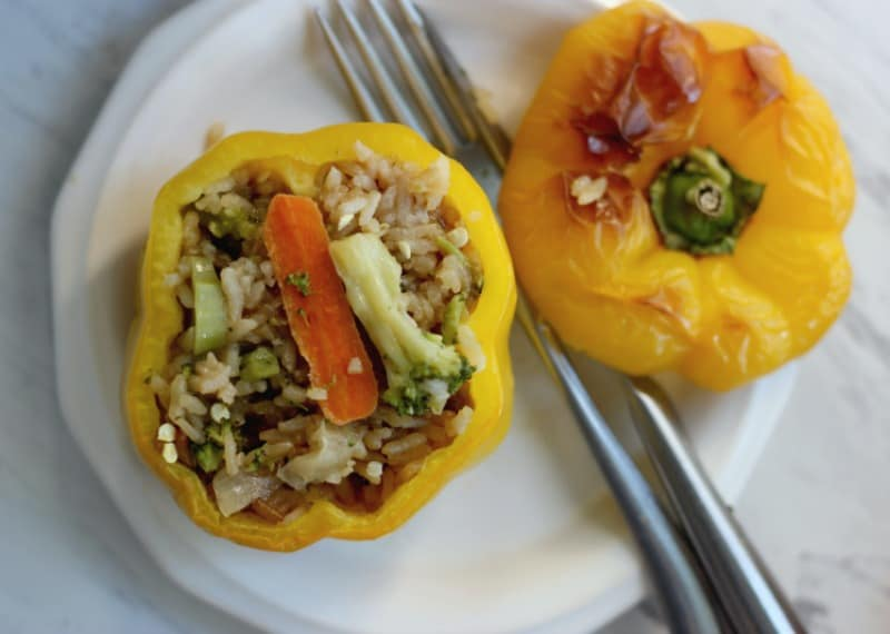 Easy Weight Watchers Friendly Beef and Broccoli Stuffed Peppers