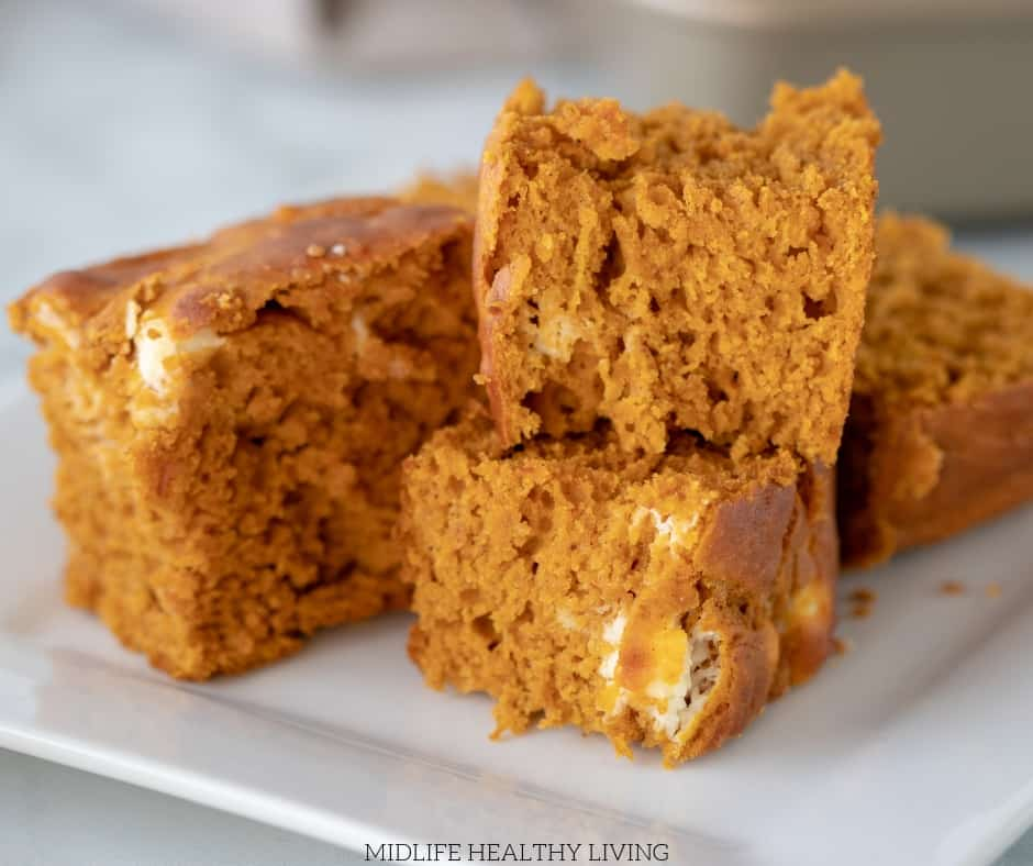Here we see the finished weight watchers pumpkin cheesecake bars cut and ready to serve.
