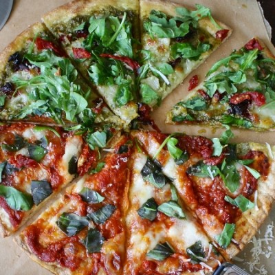 Who doesn't love pizza? If you've ever dieted you know how those cravings can strike. Pizza can be a huge bummer when it comes to Weight Watchers Points. Here are some Weight Watchers Freestyle pizza recipes that won't drain your points but are still fulfilling and delicious!#pizza #weightwatchers #freestylerecipes #pizzarecipes #snacks #recipes