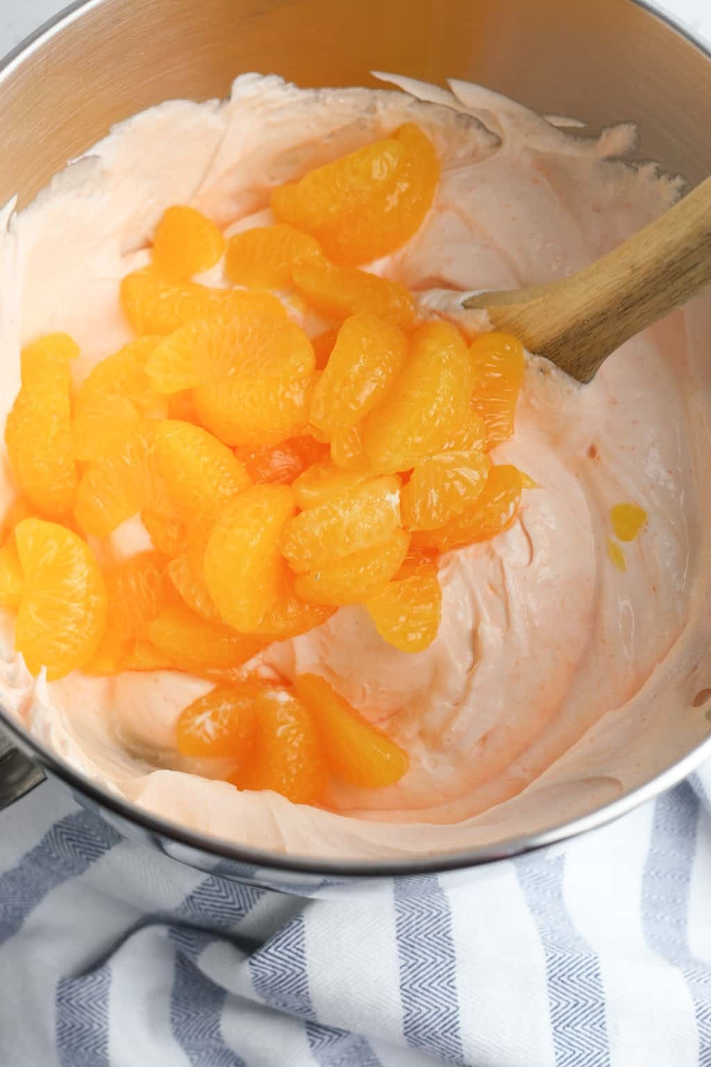 Orange fluff dessert is a quick and tasty recipe that the whole family will love. A healthy dessert choice that is low in Weight Watchers points and tastes great!