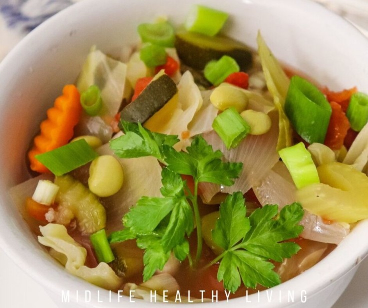 Featured image showing the finished Weight Watchers vegetable soup recipe.
