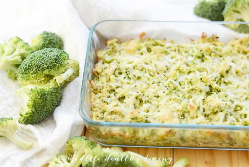 Featured image of the finished parmesan broccoli healthy dip recipe.