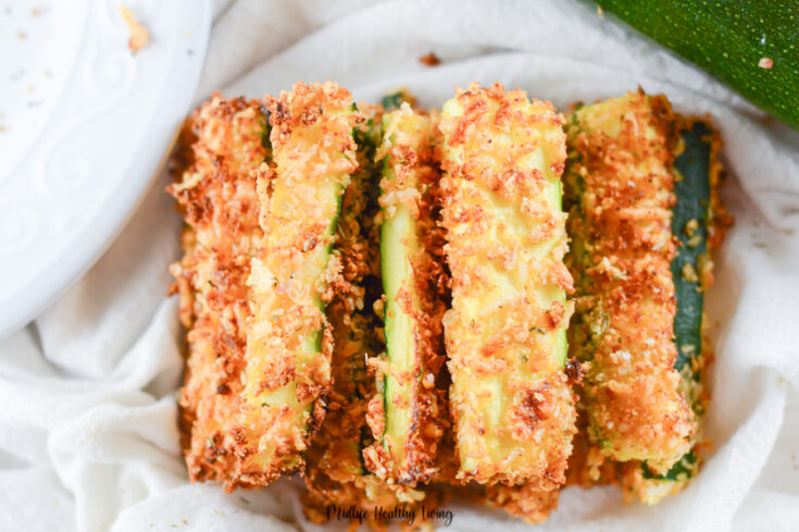 Featured image showing the finished zucchini fries recipe ready to be enjoyed.