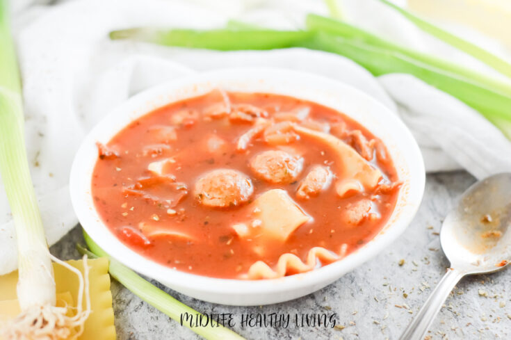 Featured image showing the finished lasagna soup for WW ready to eat.