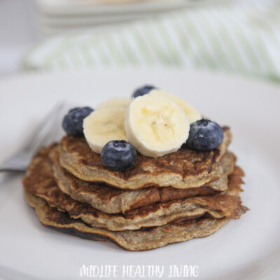 Featured image showing the finished WW banana pancakes ready to eat.