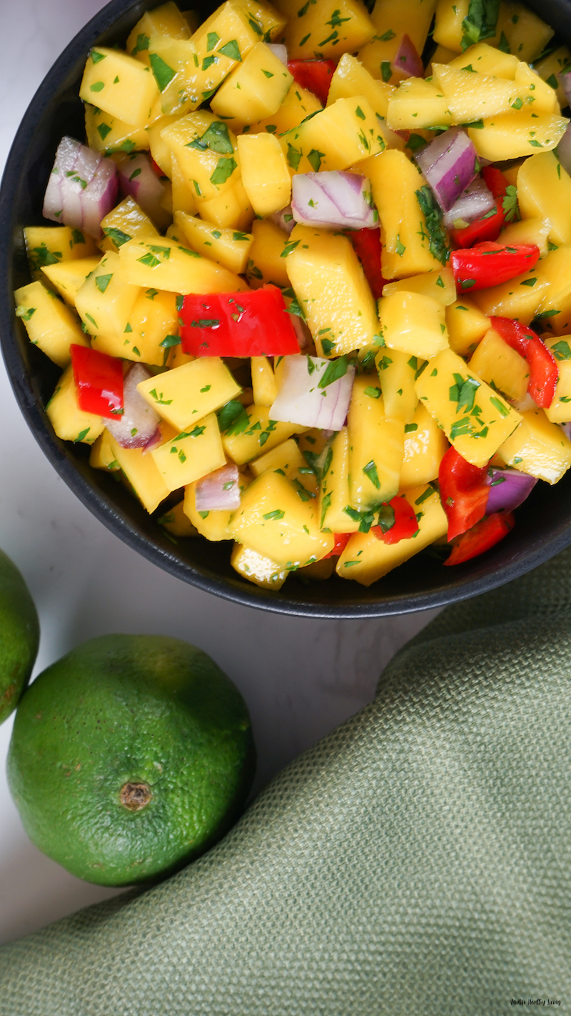 a look at everything mixed together for the weight watchers mango salsa.