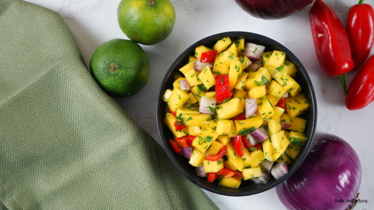 Featured image showing the finished weight watchers mango salsa in a bowl ready to eat.