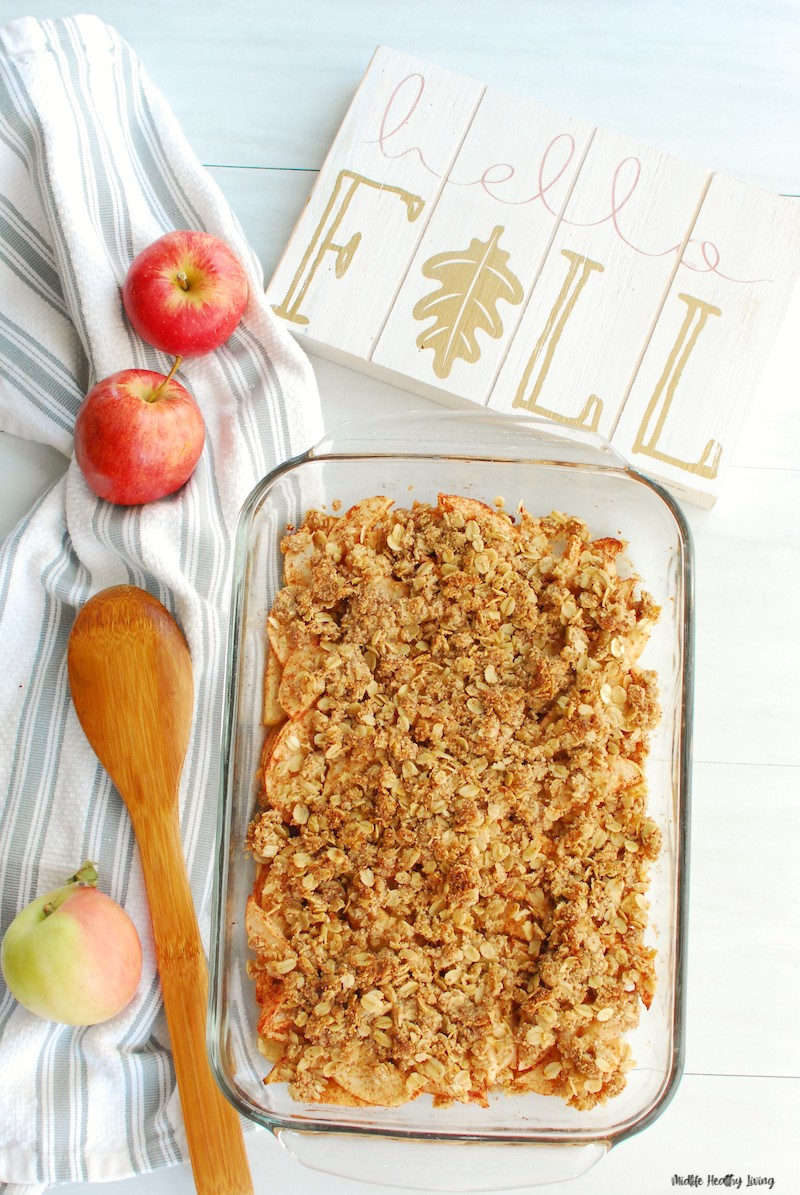 Baked apple crisp for weight watchers ready to serve.